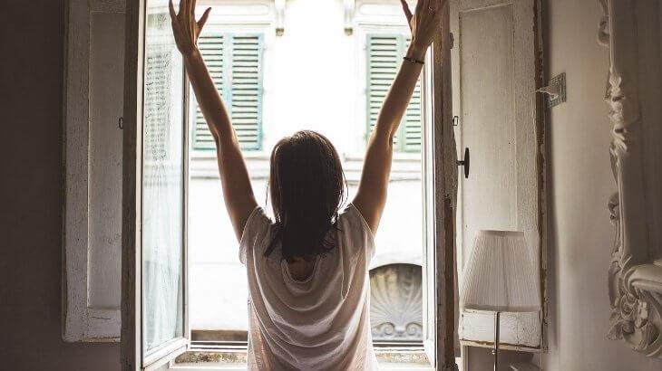 【早起きが続かない人必見】私が早起きできた具体的な5つの行動